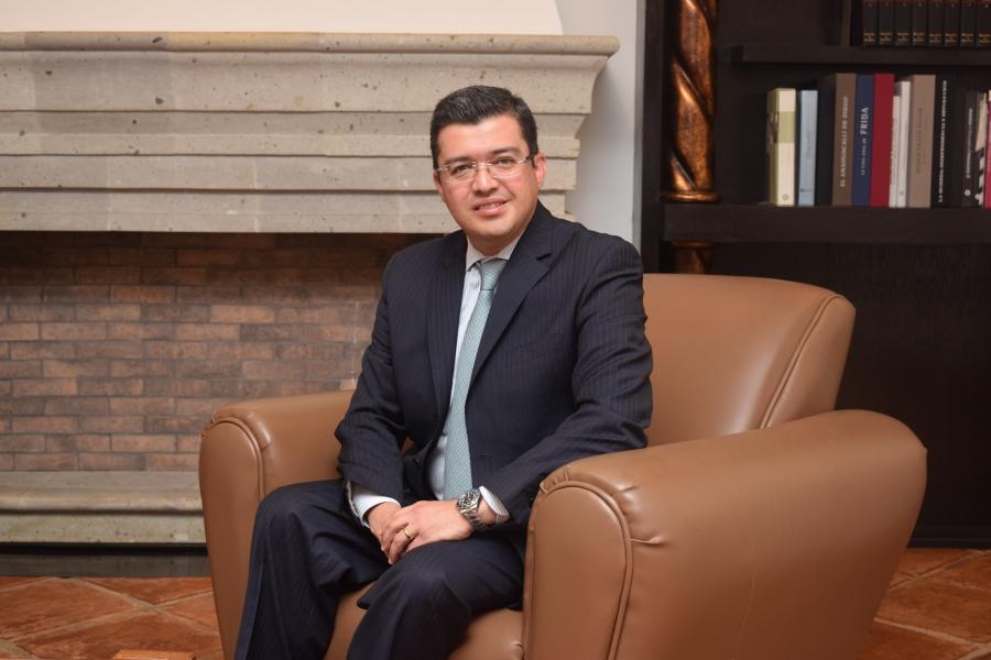 Dr. Victor Esquivel